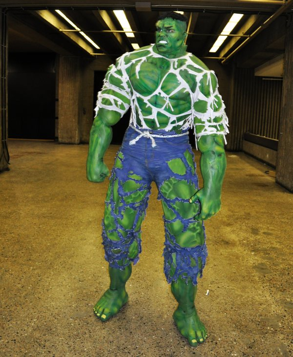 THE AVENGERS Cosplay Day 3 – The Hulk   He Geek She Geek