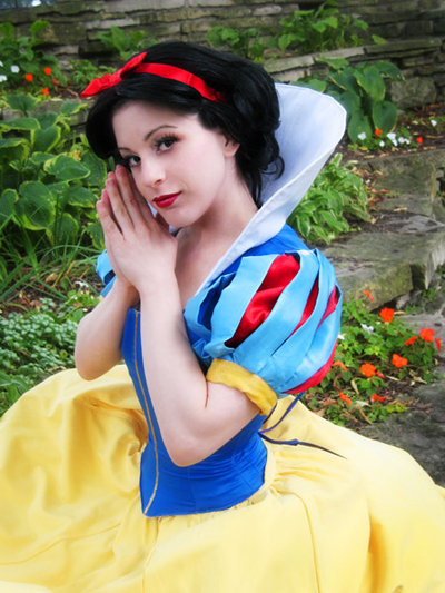 Cosplay Snow-white-cosplay-disney-princess-30463937-400-533