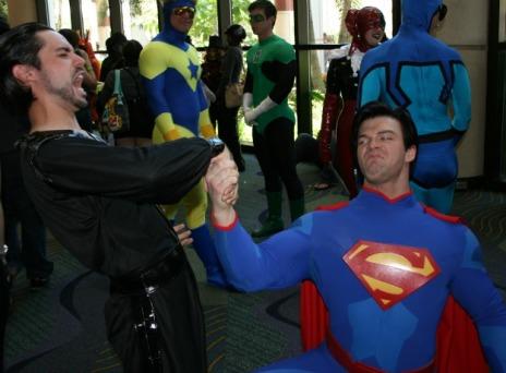 Superman-kneeling-before-Zod-Cosplay-MegaCon-2013