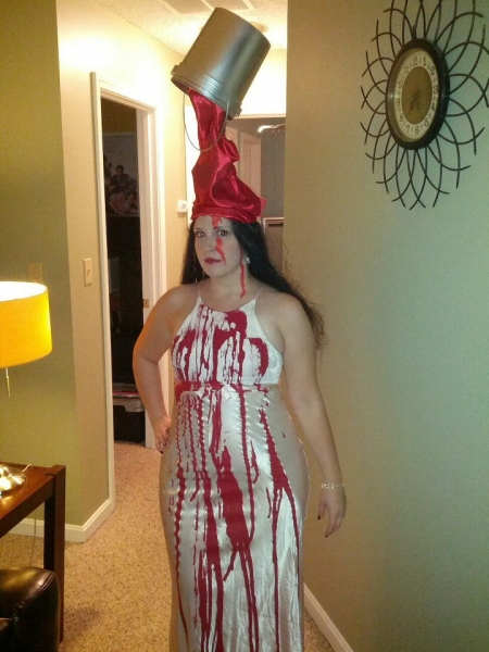 http://www.estetica-design-forum.com/attachments/off-topic/9798d1351521406-best-halloween-costumes-small_carrie.jpg