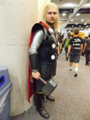 thor-cosplay-comic-con1