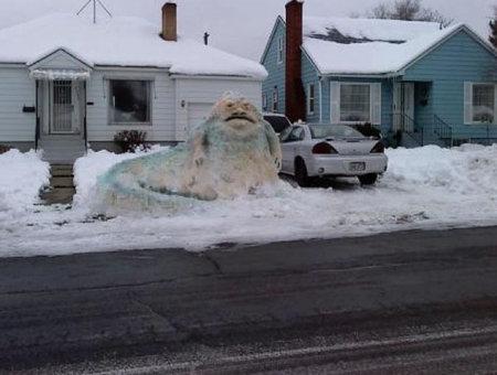 jabba-snow-sculpture